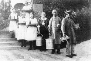 Die Essensträgerkolonen in den 30er Jahren
