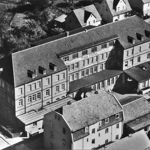 Wie ich das Kriegsende 1945 in der Raststraße und in Creidlitz erlebte.
