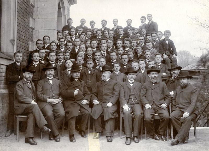 Schüler und Lehrer des Ernst-Albert-Seminars 1905 Sammlung Norbert Niermann