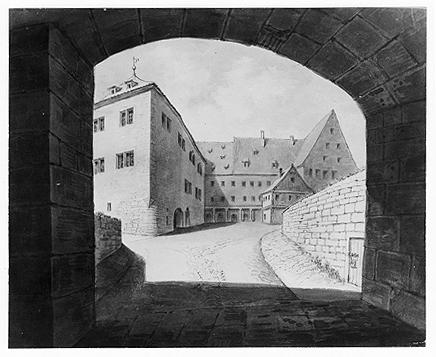 Blick von der Toreinfahrt auf Fürstenbau und Kemenate